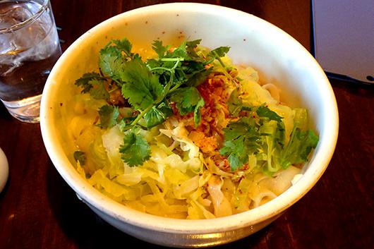 刀削麺ペペロンチーノ風