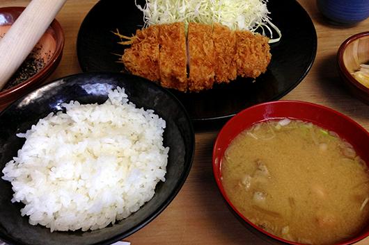 ブー太ロース定食