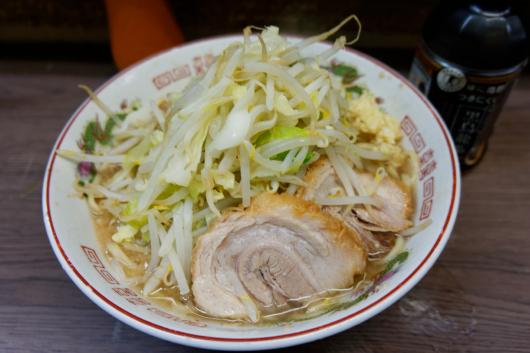 ラーメン二郎横浜関内ラーメン小野菜ニンニク