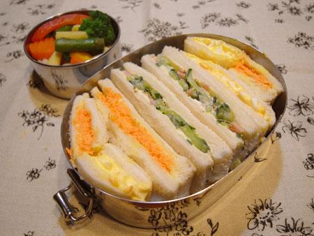 キュウリのサンドイッチ弁当