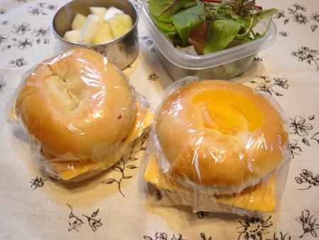 ソーセージ&エッグ・チーズサンド弁当
