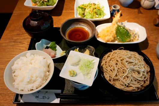 浦和かねこ蕎麦定食