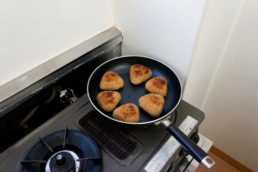玄米焼きおにぎりフライパン